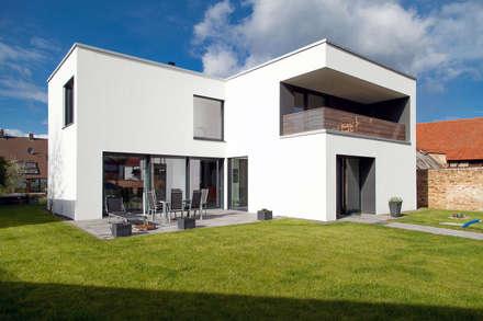Südansicht:  Einfamilienhaus von PlanKopf Architektur