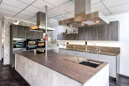 Ausstellung/Muster:  Einbauküche von Küchenstudio Prühäuser