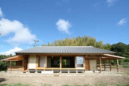Wooden houses by 木造伝統構法 惺々舎