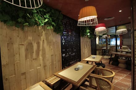 Smoking area:  Restoran by Kottagaris interior design consultant
