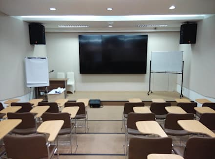 Class Room:  Ruang Multimedia by ADEA