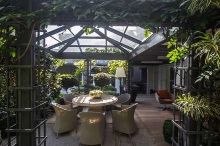 Jardins de Inverno clássicos por Belas Artes Estruturas Avançadas