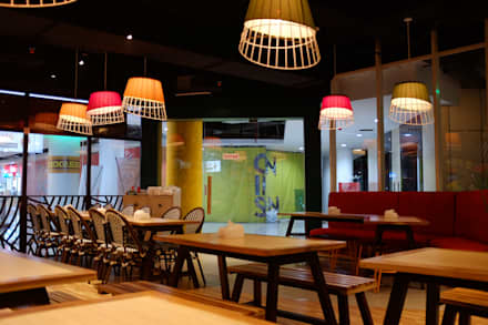 Dine in area:  Restoran by Kottagaris interior design consultant