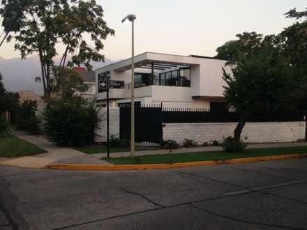 CASA BELLO HORIZONTE: Casas de estilo minimalista por [ER+] Arquitectura y Construcción