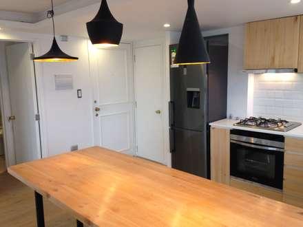 REMODELACION DEPTO PEÑA Y LILLO: Cocinas de estilo escandinavo por [ER+] Arquitectura y Construcción