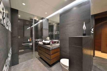 Madhuniketan 2: modern Bathroom by SM Studio
