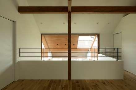 Chambre d'enfant de style de style Rustique par ALTS DESIGN OFFICE