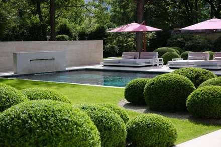 مسبح حديقة تنفيذ Jürgen Kirchner Wasser + Garten