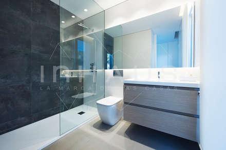 mediterranean Bathroom by Casas inHAUS