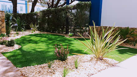 Relva Artificial: Jardins minimalistas por JARDIMGARVE