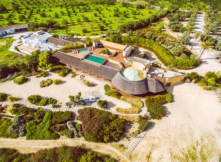 Luxuosa Propriedade no Algarve - Luxury Property in the Algarve: Moradias  por Ivo Santos Multimédia