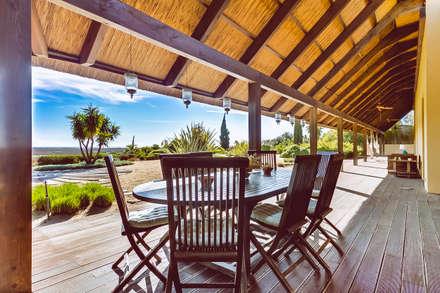 Luxuosa Propriedade no Algarve - Luxury Property in the Algarve: Terraços  por Ivo Santos Multimédia
