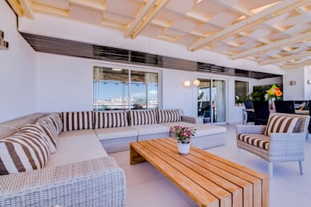 Luxuoso Apartamento na Marina Vilamoura - Luxury Apartment in Vilamoura Marina: Terraços  por Ivo Santos Multimédia
