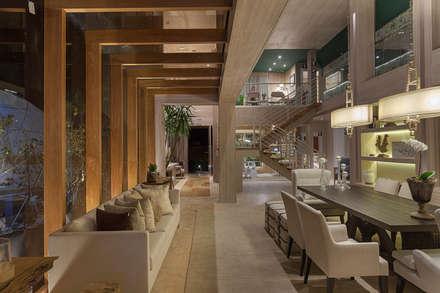 Residência Entreverdes : Corredores, halls e escadas modernos por Izilda Moraes Arquitetura