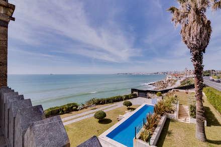 Luxuosa Villa S. Pedro Estoril / Lisboa - Luxury Villa S. Pedro Estoril / Lisbon: Terraços  por Ivo Santos Multimédia