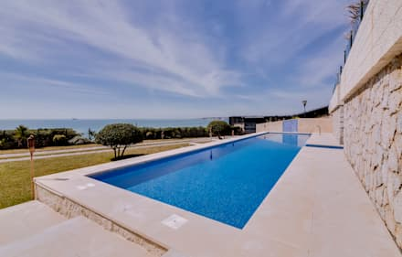 Luxuosa Villa S. Pedro Estoril / Lisboa - Luxury Villa S. Pedro Estoril / Lisbon: Piscinas rústicas por Ivo Santos Multimédia
