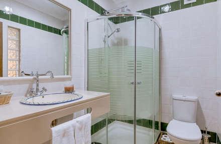 Espargosa Monte de Baixo / Castro Marim : Casas de banho rústicas por Ivo Santos Multimédia