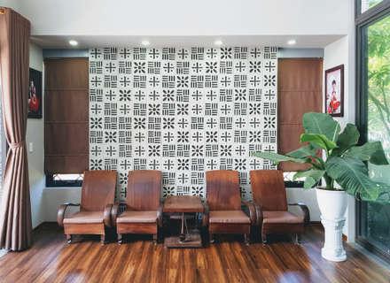 NEW HOUSE:  Phòng khách by RÂU ARCH