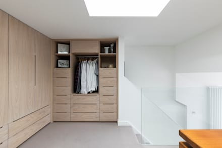 Dulwich Loft Conversation : modern Dressing room by R+L Architect