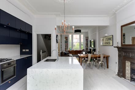 Barton Road Extension: Modern Kitchen By R+L Architect