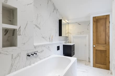 Barton Road Extension: Modern Bathroom By R+L Architect