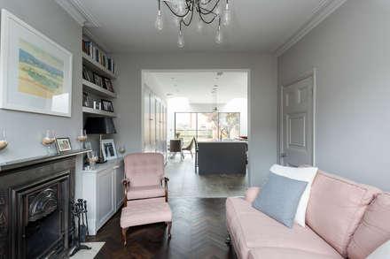 Carlton Park Avenue : modern Living room by R+L Architect