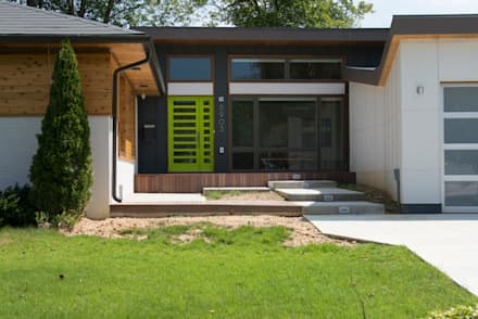 Courtyard House:  Single family home by ARCHI-TEXTUAL, PLLC