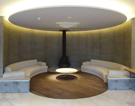 箱根のレジデンス: sorama me Inc.が手掛けた壁・フローリングです。