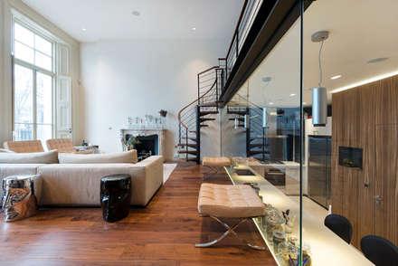 Bolton Place: modern Media room by Novispace