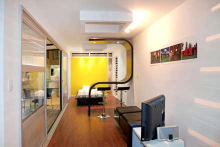 Interior del contenedor: Casas prefabricadas de estilo  por Home Box Arquitectura