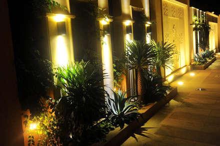 Private Residential Villa - Sheikh Zayed:  حديقة تنفيذ SIGMA Designs
