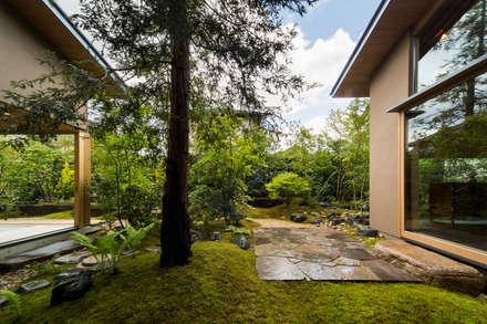 奈良の庭: 株式会社 荒木造園設計が手掛けた庭です。