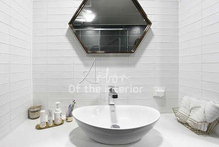 호텔객실같이 깔끔한 아파트 인테리어_47평대: 디자인 아버의  화장실