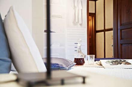 modernes Schlafzimmer: rustikale Schlafzimmer von Home Staging Bavaria