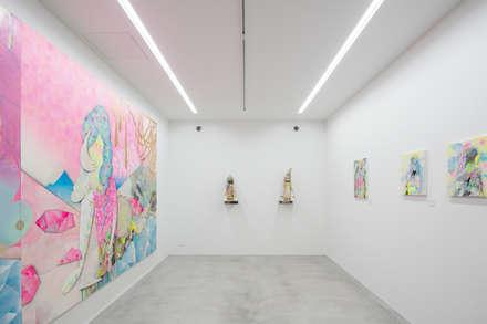 coneco bld.: 一色玲児 建築設計事務所 / ISSHIKI REIJI ARCHITECTSが手掛けた壁・フローリングです。