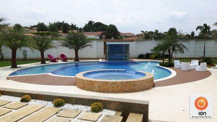 Piscinas ideas dise os y decoraci n homify for Tipos de piscinas para casas