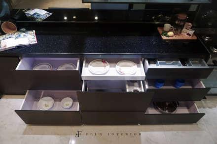 Modern Kitchen:  Dapur by Flux Interior