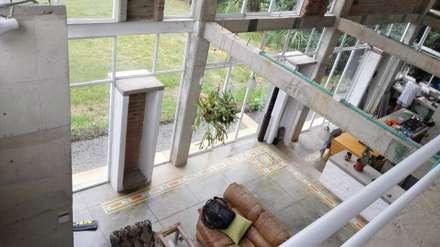 Vivienda Campestre Sostenible 1 - 2016: Salas de estilo minimalista por PILO Arquitectura