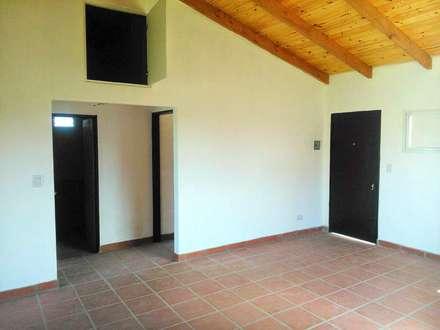 rustikale Esszimmer von Arq. Gustavo Piazza & Asociados