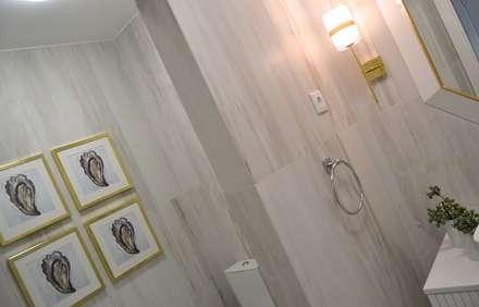 Suite: Casas de banho ecléticas por Marta Gonzaga, Interior Design