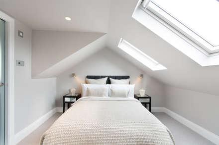 Kensal Green Flat: modern Bedroom by London Home Staging Ltd