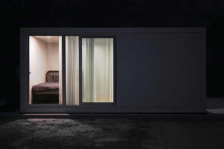 6평 단층 외부: 마룸의  조립식 주택