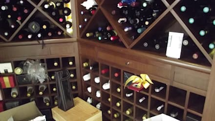 classic Wine cellar by Mittel Comercial