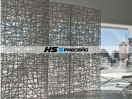 Divisória Vazada em Metal Arte: Paredes  por HS Precisão - Metal Design