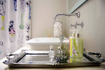Burton Ave: classic Bathroom by House Couture Interior Design Studio
