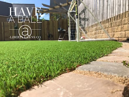 Artificial Grass : minimalistic Garden by Liberty Lawns Co