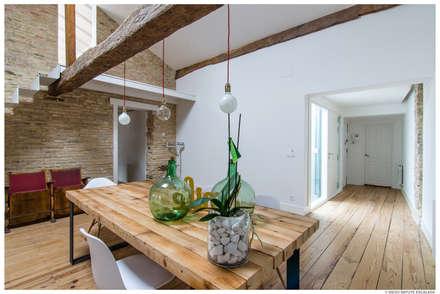 Reforma de Atico en Pamplona: Comedores de estilo minimalista de TALLER VERTICAL Arquitectura + Interiorismo