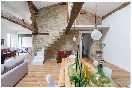 Reforma de Atico en Pamplona: Comedores de estilo ecléctico de TALLER VERTICAL Arquitectura + Interiorismo