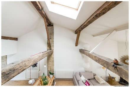 Satteldach von TALLER VERTICAL Arquitectura + Interiorismo