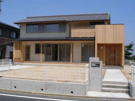 縁側のある家: Soichi Nose - homifyが手掛けた家です。